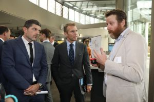 HoneLab's Chief Scientific Office, Dr Will Palmer, talks to Minister Stokes